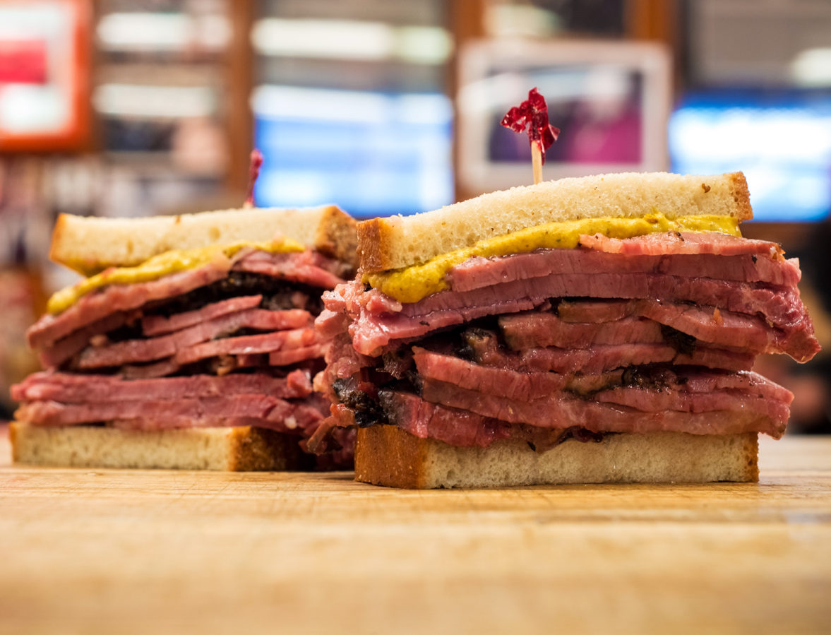 "new york city】the iconic new york city deli, ""katz's delicatessen"""